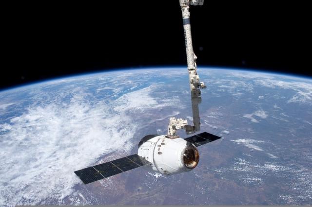 Корабель SpaceX Dragon знов повернувся з МКС на Землю