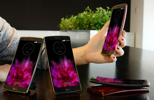 Старт продаж смартфона LG G Flex2