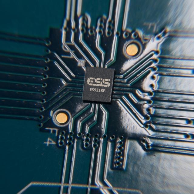 Смартфон LG V30 з високоякісним звучанням