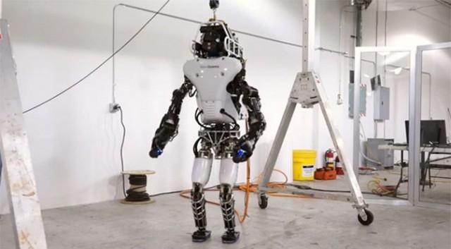 Громадное обновление «боевого робота» Atlas от DARPA вскоре «перережет шнур»