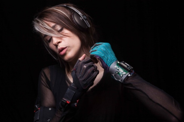 Mi.Mu Glove For Music - компьютерные перчатки, создающие музыку
