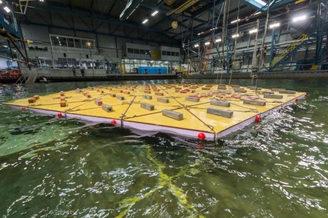Голландці почали випробовувати штучний плавучий острів