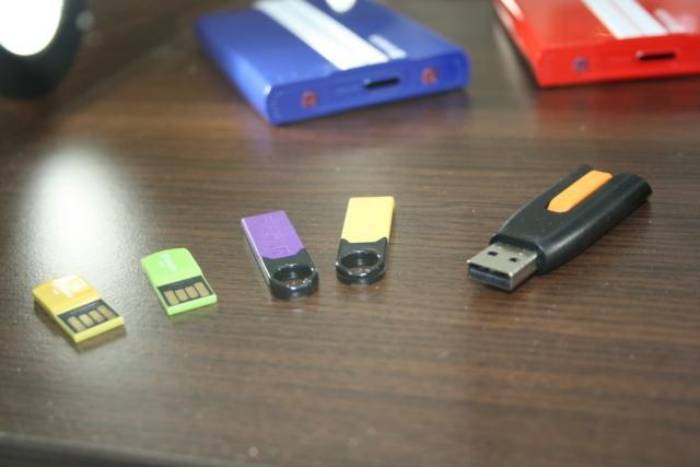 CeBIT 2012: новые винчестеры, SSD и USB-накопители на стенде Verbatim