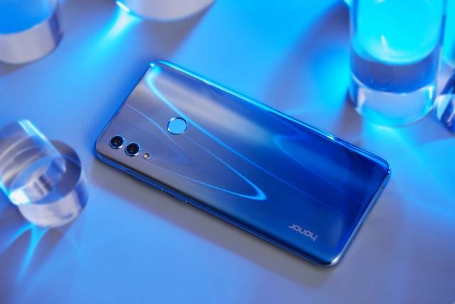 Смартфон Honor 10 Lite у кольорі Sky Blue в Україні
