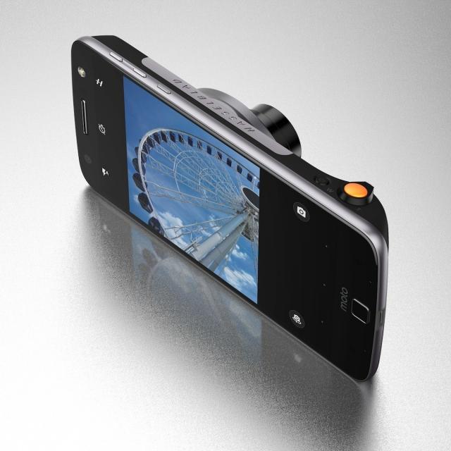 Moto Z Play и модуль камеры Hasselblad True Zoom