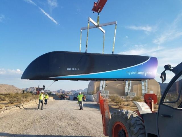 Hyperloop One провела перше повномасштабне випробування у вакуумі (відео)