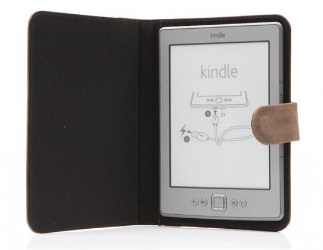 Украинский производитель одевает в кожу Kindle