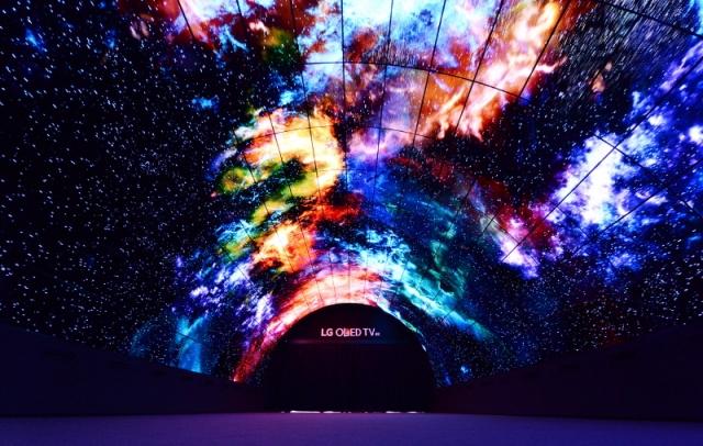 На міжнародній виставці електроніки IFA представлено найбільший у світі OLED-тунель