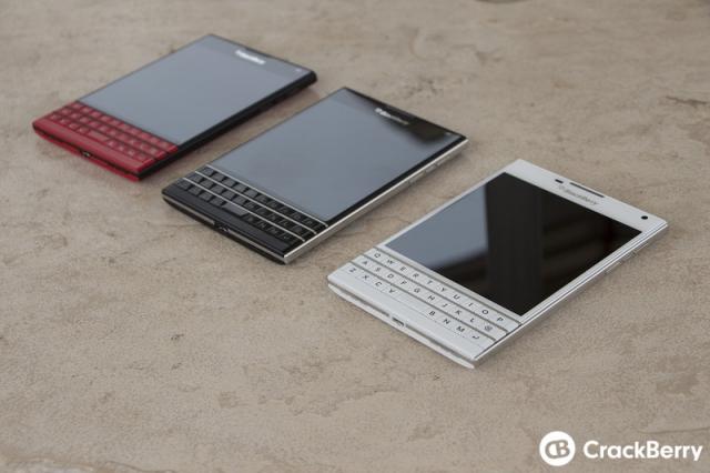 Фотогалерея флагмана BlackBerry Passport в красном и белом цветах (высокое разрешение)