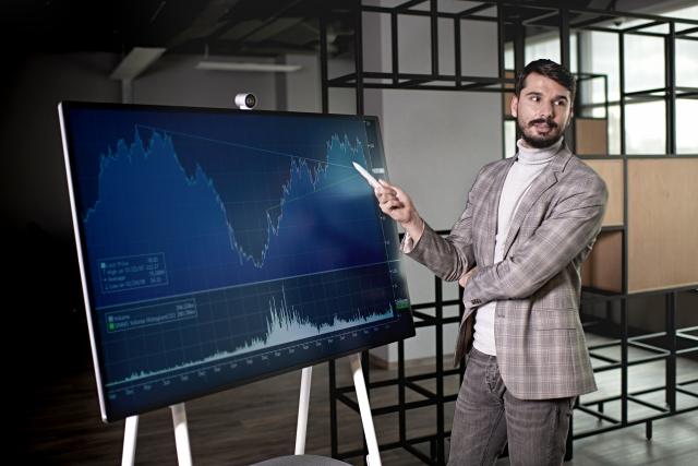 Surface Hub 2S: нові межі проведення продуктивної взаємодії вашого бізнесу!