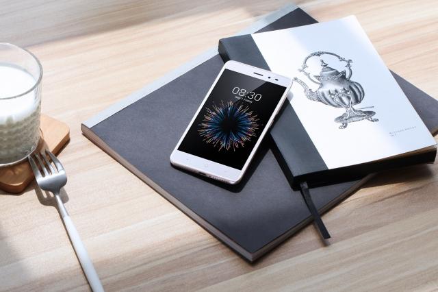 В Україні почалися продажі смартфону TP-Link Neffos X1 Lite за ціною 2999 грн