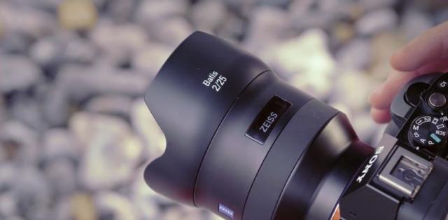 Новые объективы Zeiss Sony имеют встроенный OLED экран