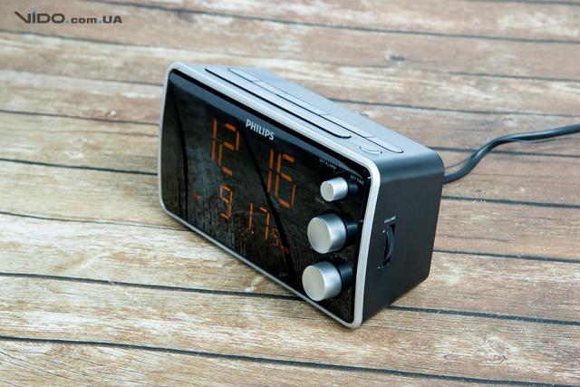 Обзор радиочасов Philips AJ3551: просыпаться под любимую радиостанцию