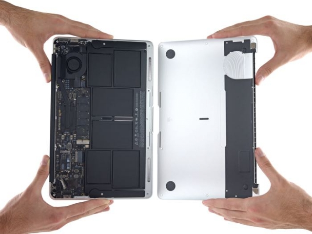 Новый Apple MacBook Air против iFixit