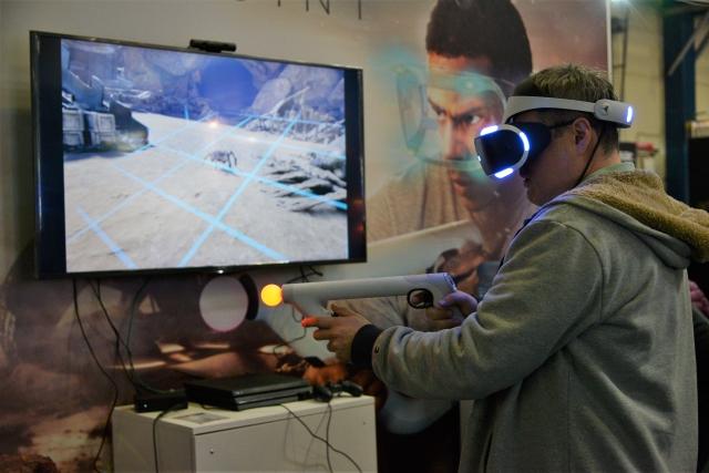 PlayStation, Lenovo і HTC Vive на CEE 2019 дивували новинками та розважали VR-пристроями