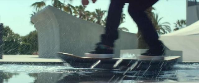Lexus представил рабочий ховерборд и единственный скейтпарк, где он работает