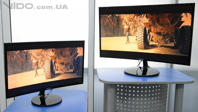 Видеообзор мониторов Samsung C24F390F и C27F390F