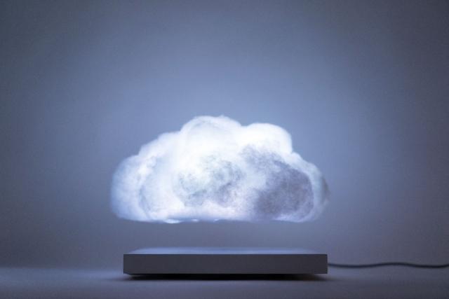 Унікальний девайс – домашня грозова хмара