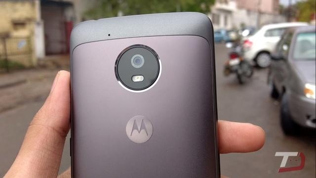 Список смартфонів Moto, які отримають новий Android O 8.0