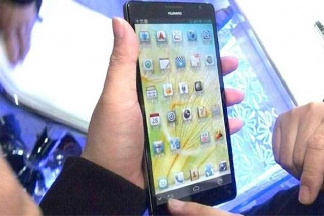 "Смартфон Huawei Ascend Mate с 6,1"" 1080p экраном показали до CES"