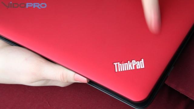 Lenovo ThinkPad X121e: маленький ноутбук с хорошей батареей