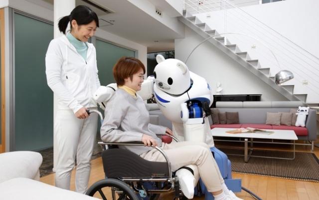 Робот Robear будет заботиться о пожилых людях