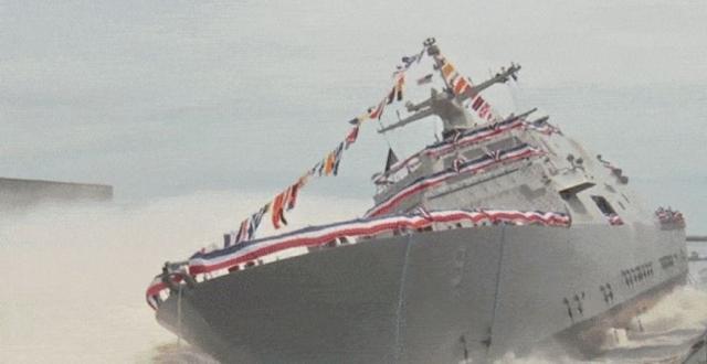 USS Little Rock спустили на воду. C большим всплеском! (видео)