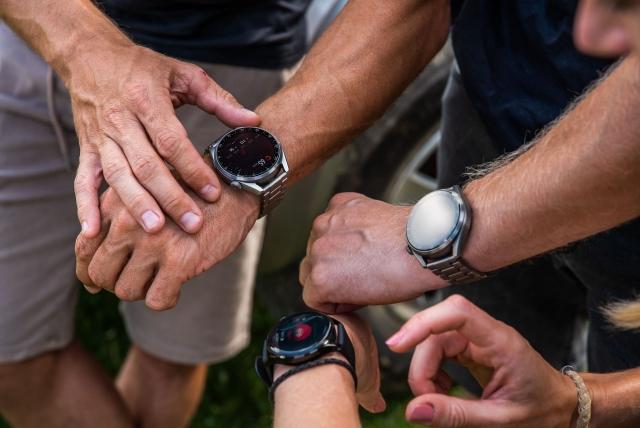 Євротур з Huawei Watch 3 Pro завершено: 21 день подорожей без підзарядки