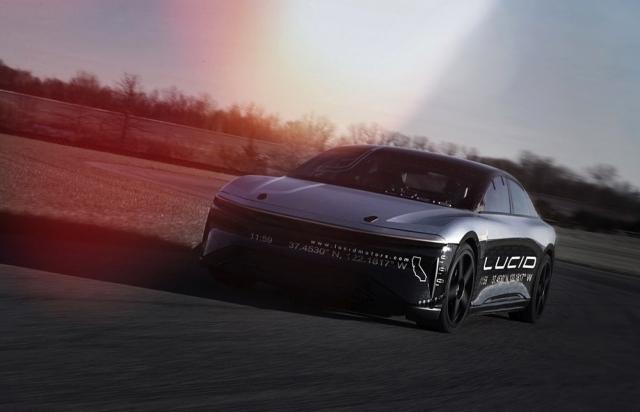 Lucid Motors розігнала електромобіль до 378 км/год (відео)