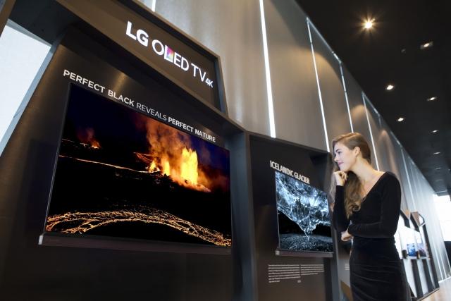 LG показала северное сияние на телевизорах OLED