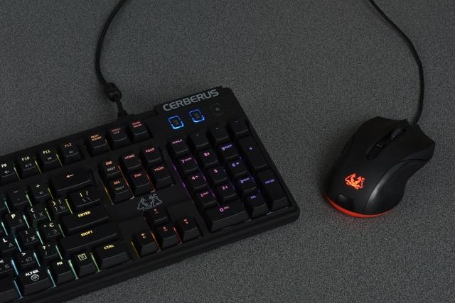 Огляд ігрової клавіатури ASUS Cerberus Mech RGB: готовність до перемог