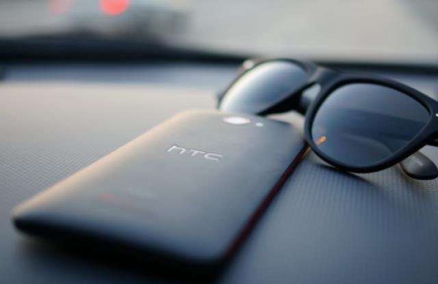 HTC представит альтернативный селфифон