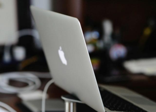 Apple представит MacBook Air Retina, но задержит выход iPad Pro