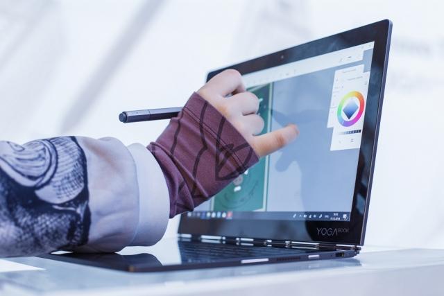 Ноутбук із двома екранами Lenovo YOGA Book C930 — вже в Україні
