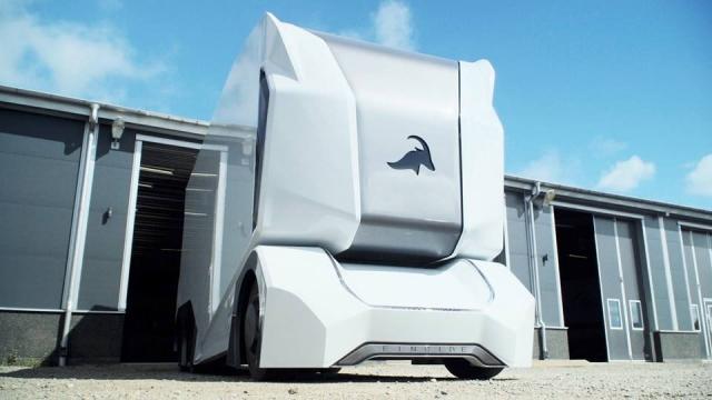 Шведський стартап представив прототип робота-грузовика без кабіни