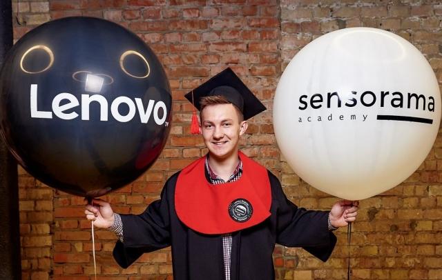 Lenovo в Україні і Sensorama Academy випустили фахівців із VR-технологій