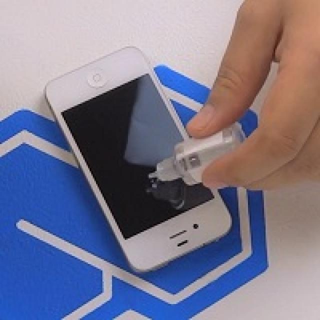 Как защитить телефон от царапин своими руками