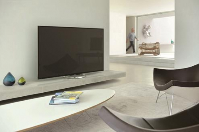 Самый большой Full HD телевизор Sony BRAVIA W85