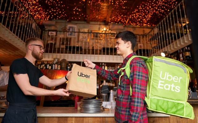 Uber Eats починає роботу в Києві