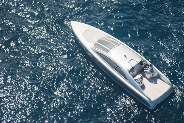 Mercedes-Benz  представила ексклюзивний човен Arrow 460 Granturismo