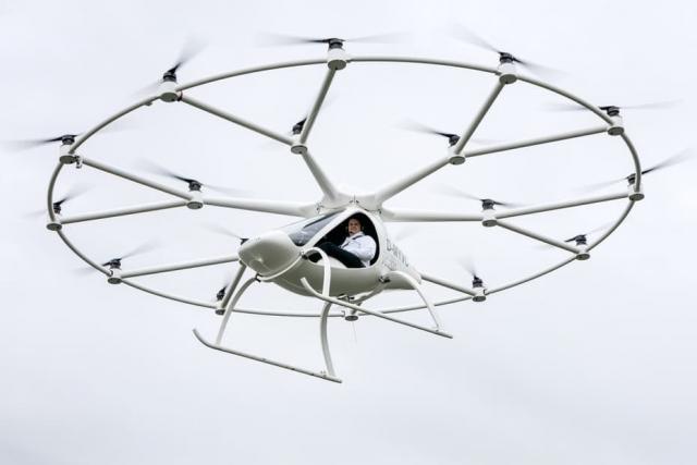 Електричний 18-роторний дрон Volocopter здійснив перший пілотований політ