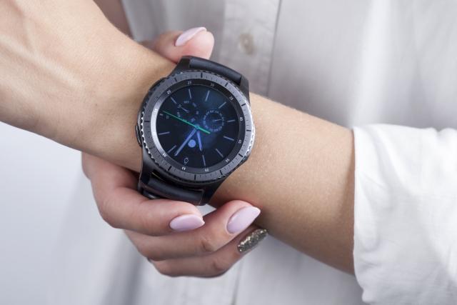 Огляд смарт-годинника Samsung Gear S3 Frontier