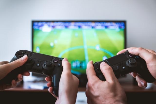 ВОЗ закликає грати в комп'ютерні ігри, щоб боротись із вірусом COVID-19