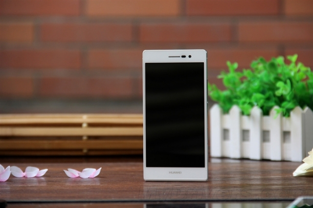 Huawei рассказала о сапфировом дисплее смартфона Ascend P7