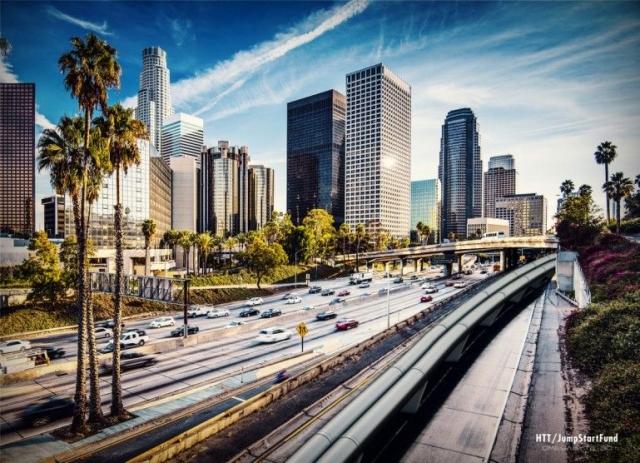 SpaceX построят тестовую Hyperloop-трассу и проведут конкурс на лучшую капсулу для неё