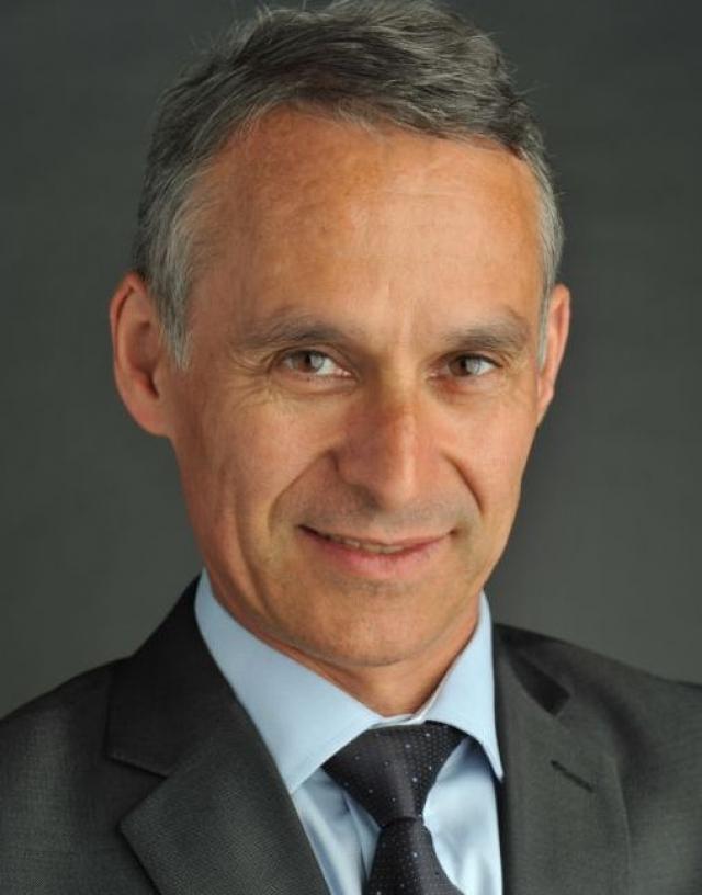 Lenovo объявляет о назначении Франсуа Борнибу новым президентом региона EMEA
