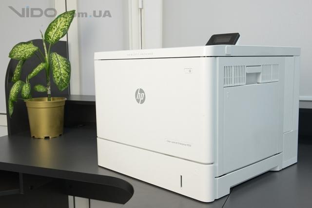 Видеообзор принтера HP Color LaserJet Enterprise M553dn: цветное решение для небольшого бизнеса