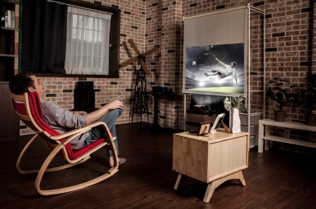 Короткофокусные проекторы LG Minibeam