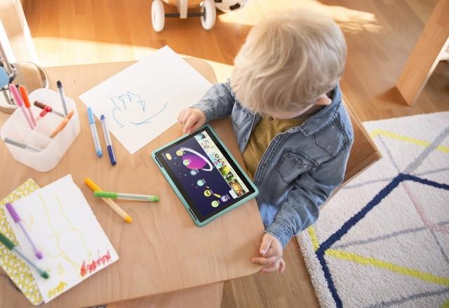 Планшети Lenovo Tab 4 стануть улюбленцями всієї родини