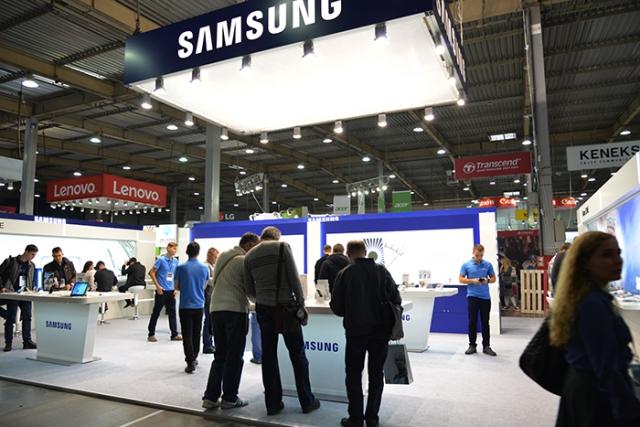 CEE 2016: новинки на стенді Samsung